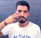 Suárez muestra su cara más solidaria