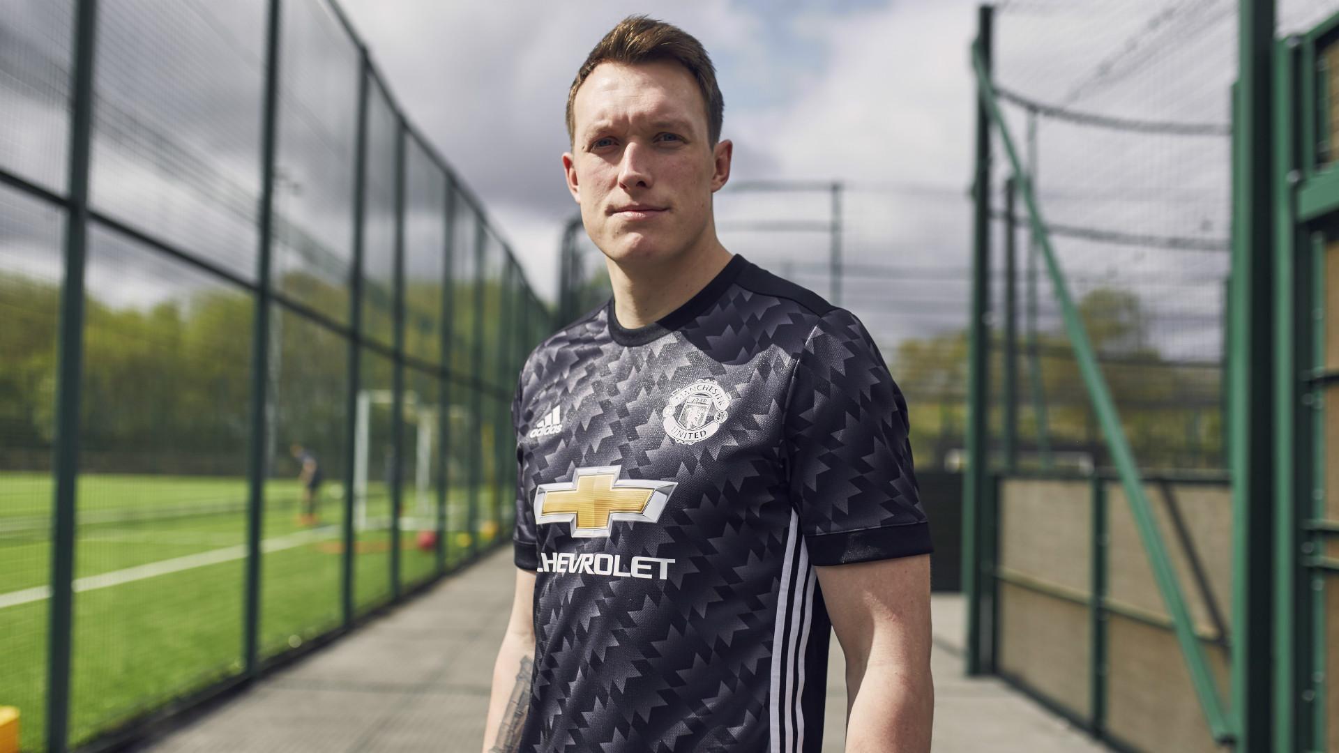 Phil Jones Manchester United New Kit