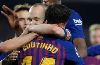 Coutinho stunner ensures perfect Iniesta send-off