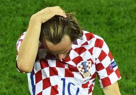 Rakitic & Modric distraught after loss