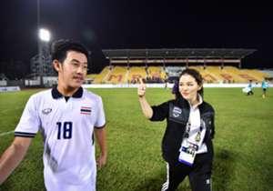 ทีมชาติไทยประเดิมเก็บ 3 แต้มในศึกซีเกมส์ได้สำเร็จหลังเฉือนชนะ ติมอร์ เลสเตหวุดหวิด 1-0 โกล ประเทศไทย พาไปย้อนชมบรรยากาศของเกมนี้กันอีกครั้ง
