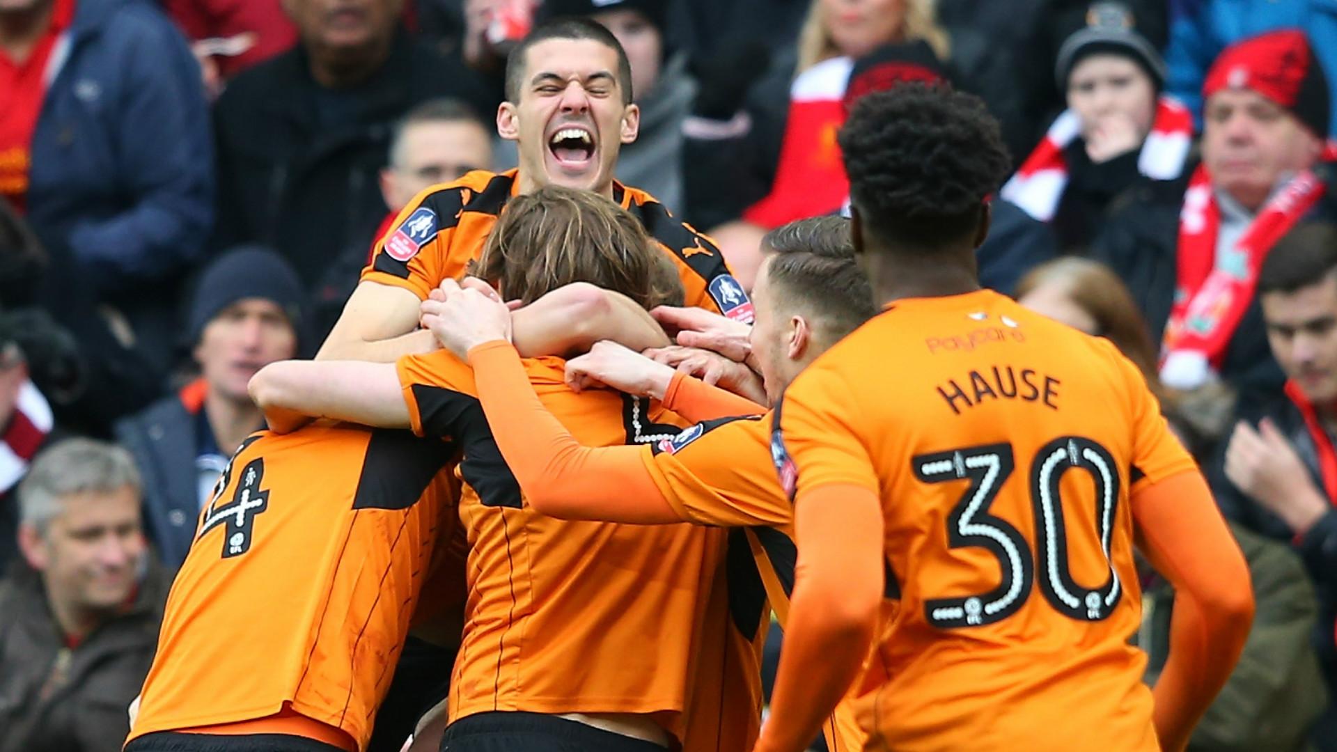 HD Wolves celebrate v Liverpool