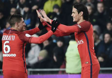 Cavani double gives PSG victory