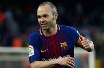 Suarez: Iniesta 'practically impossible' to replace at Barcelona