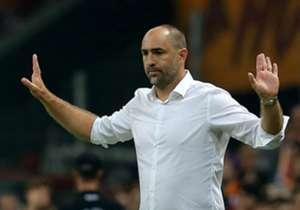 Galatasaray liderliğini sürdürse de, 5-1'lik Medipol Başakşehir yenilgisiyle birlikte Teknik Direktör Igor Tudor'un üzerindeki baskı da artmaya başladı. Hırvat teknik adamın çok konuşulan kararlarını sıralıyoruz...