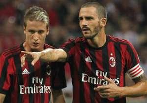 Milan mengejutkan publik dengan belanja yang nyaris mencapai €200 juta, sementara PSG memboyong Neymar dengan mahar €222 juta. Percaya atau tidak, dua klub itu bukanlah yang paling boros di bursa transfer ini ...