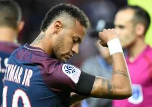 Com dois gols, duas assistências, sofrendo um pênalti e distribuindo lindos dribles, Neymar brilhou em sua estreia em casa pelo PSG, participando de cinco dos seis tentos na goleada por 6 a 2 sobre o Toulouse, neste domingo (20), pela Ligue 1. Confira ...