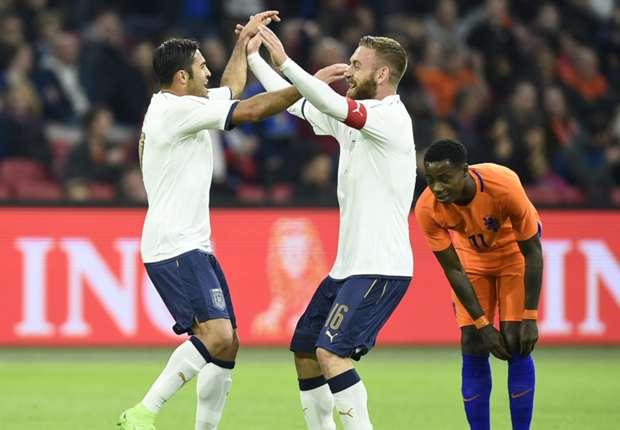"""ÉQUIPE D'ITALIE de football """"la Nazionale"""" """"la squadra azzura"""" - Page 4 Niederlande-italien_75ddsxi8bc6o120ada2sx6x4f"""