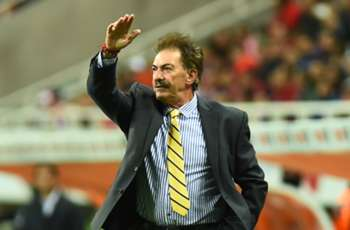 La Volpe certain Club America players are behind him