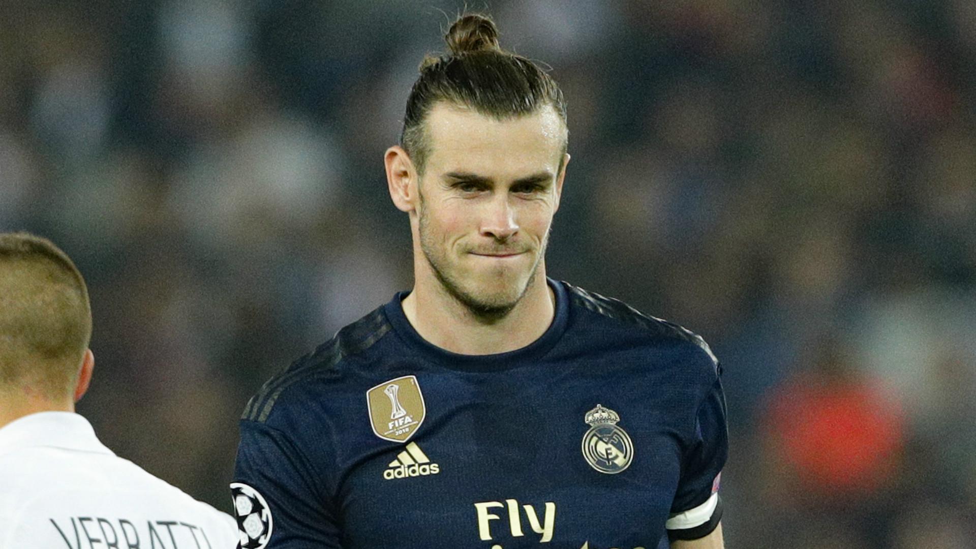 VIDÉO - Avant d'affronter le PSG, Bale a refusé de porter le fanion du Real Madrid