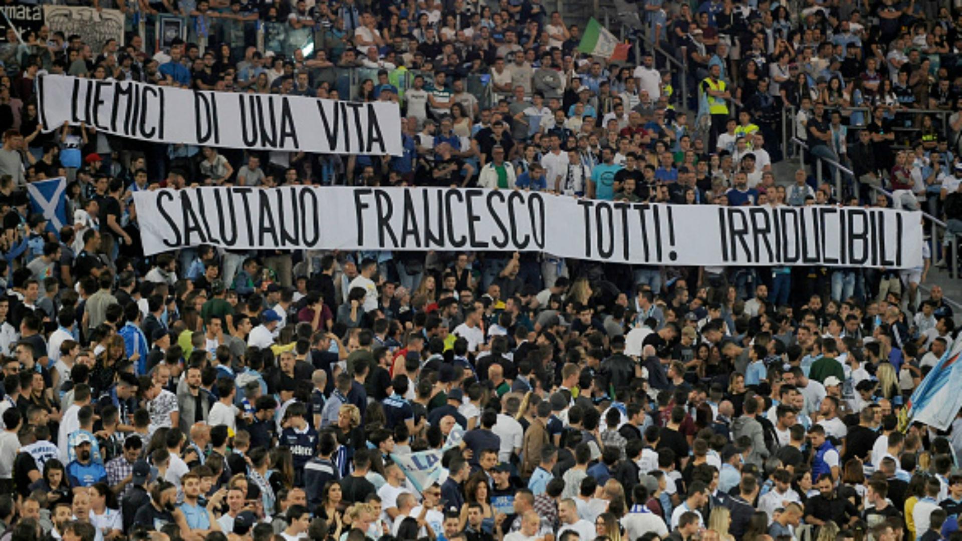 Le bel hommage des supporters à Totti — Lazio
