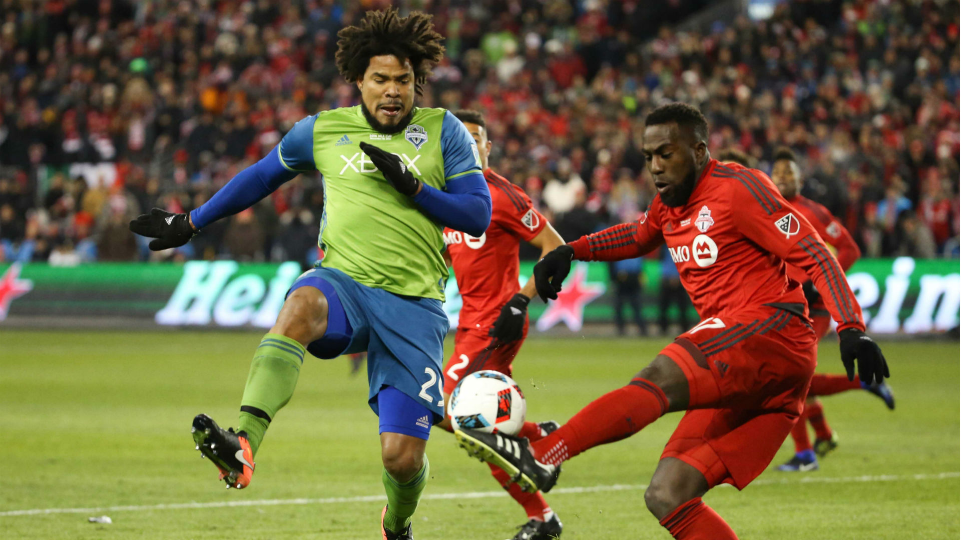 Roman Torres Jozy Altidore Seattle Sounders Toronto FC MLS Cup 121016