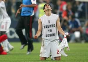 Calcio e religione possono anche coesistere, quando si scelgono i giocatori con i cognomi giusti. Chissà se questo undici particolare piacerà anche a Ricky Kaká...