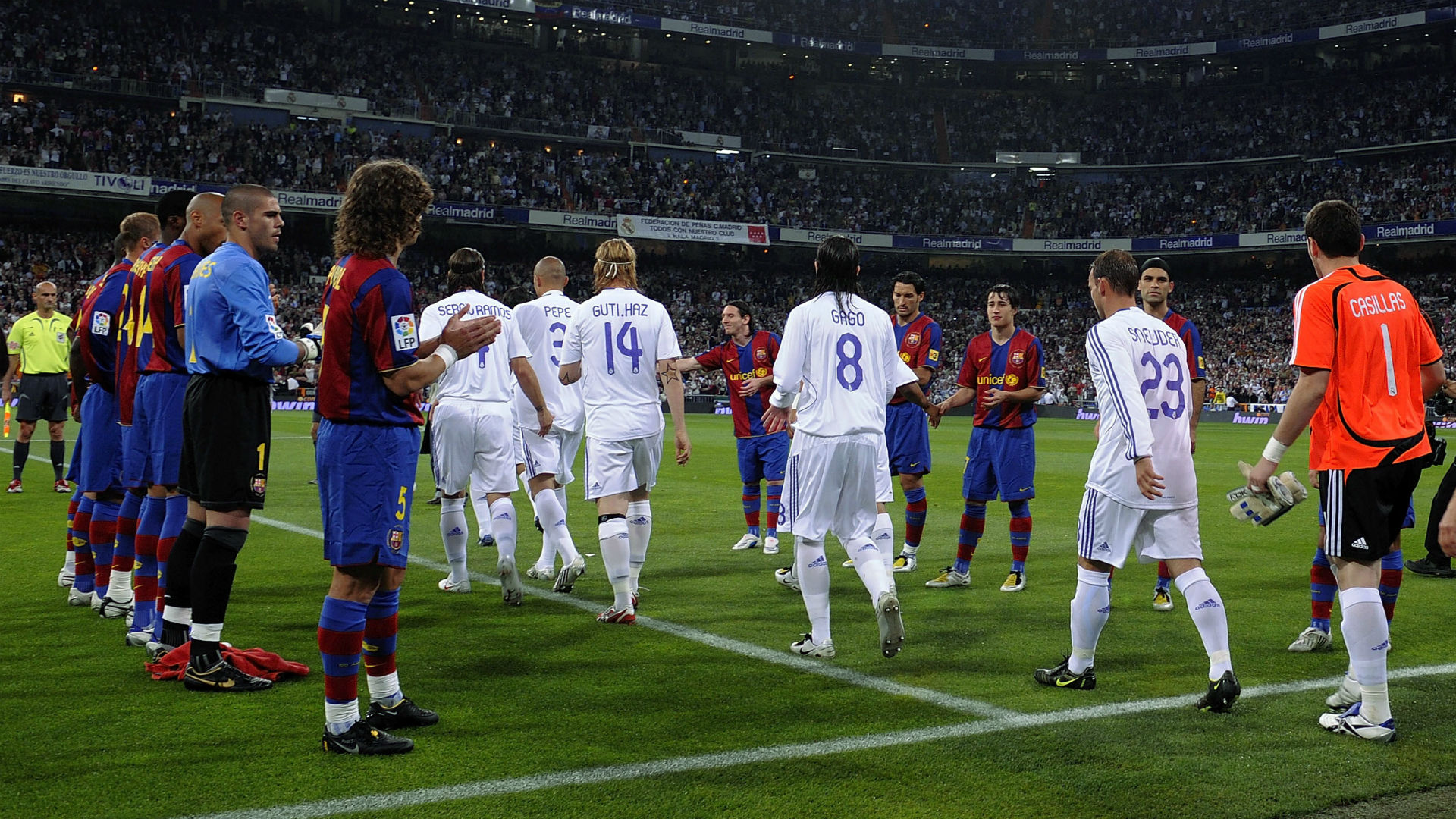 What is a 'pasillo'? The guard of honour Real Madrid refuse to do for Barcelona in El Clasico