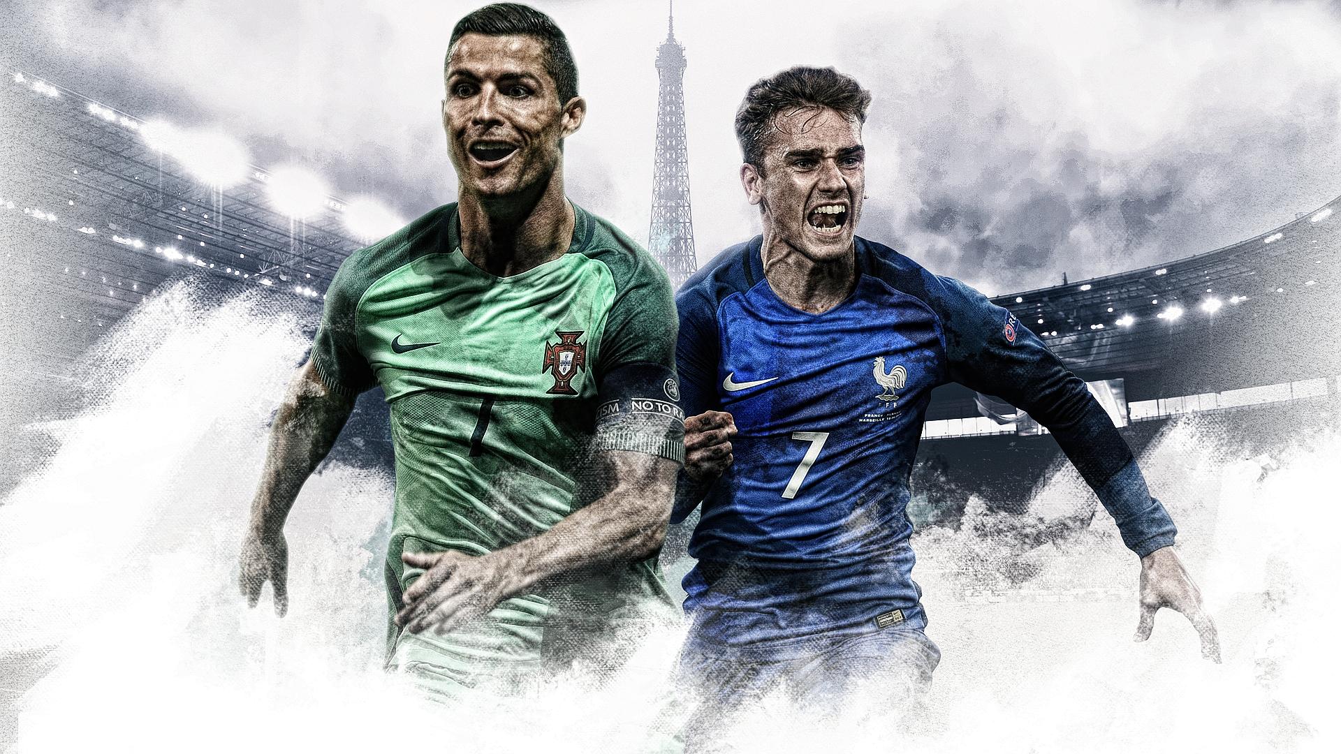 Ball boy crashes Portugal team photo, gets laugh from star forward Ronaldo
