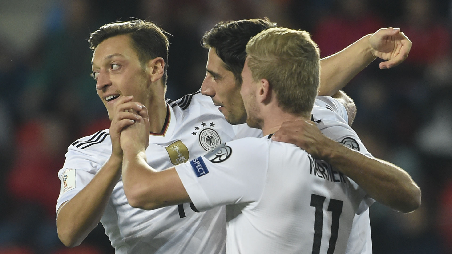 Ozil Germany celebrate 090117