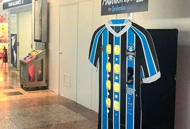 Gremio are selling shirts from airport vending machines