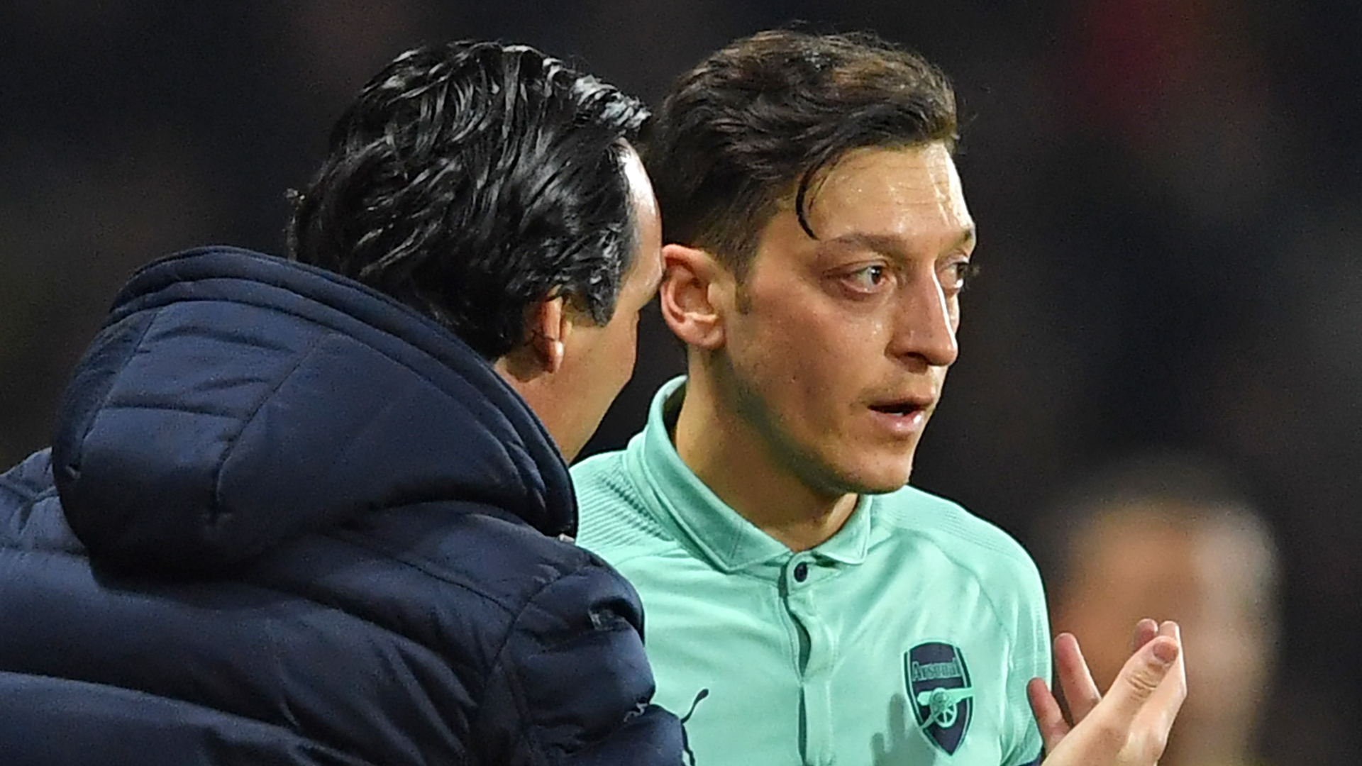 Ozil urges Arsenal to 'stand together as one' ahead of Liverpool