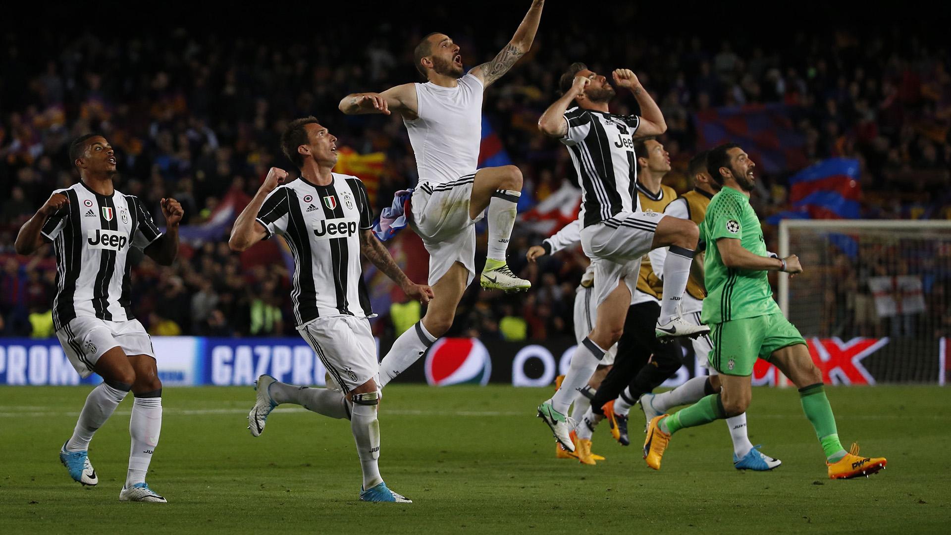 Juventus celebrating vs Barcelona