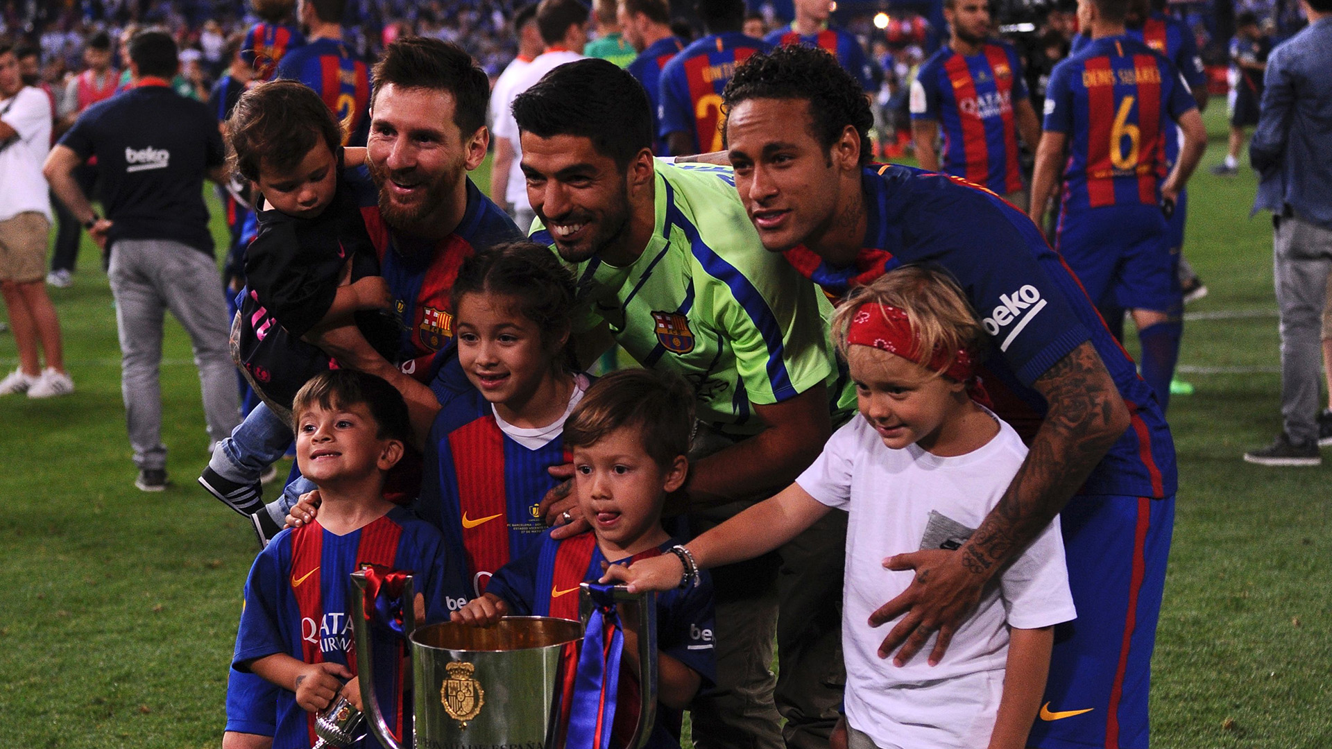 Messi Suarez family Barcelona