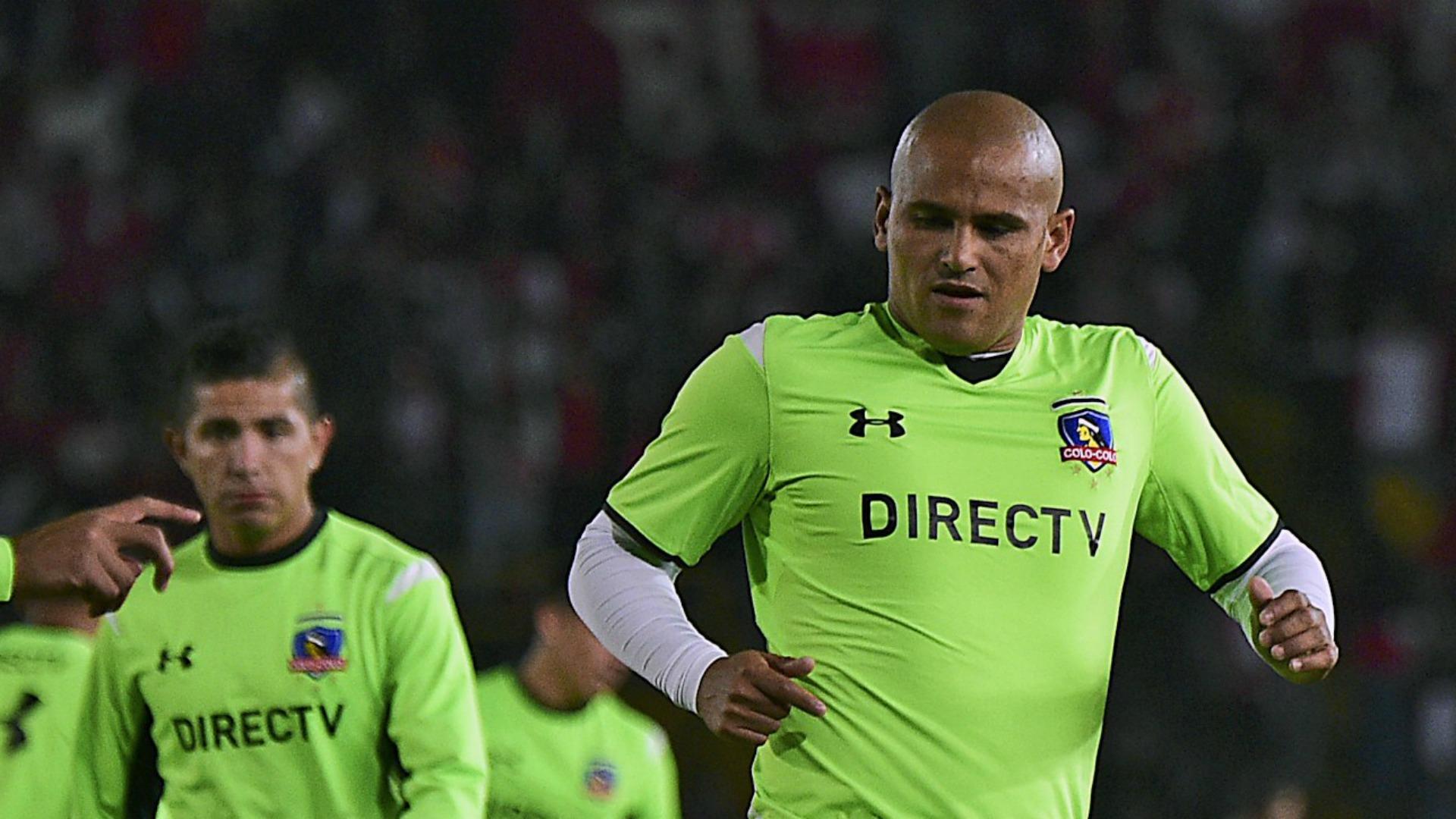 Chupete Suazo se aburrió del retiro y vuelve a San Antonio Unido