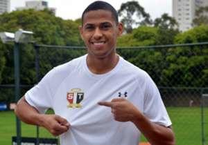 Única competição que o São Paulo ainda disputa em 2017, o Campeonato Brasileiro já passou da sua metade, mas a diretoria segue buscando reforços para tentar qualificar o elenco e fazer com que a equipe deixe o quanto antes a parte de baixo da tabela de...