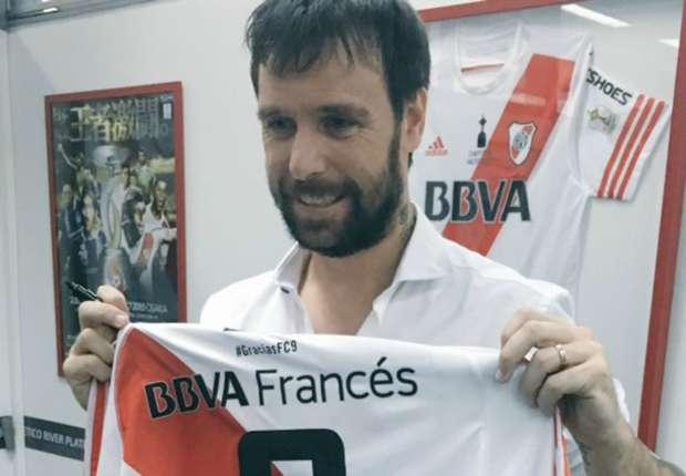 Cavenaghi presentó la camiseta adidas que usará en su partido despedida