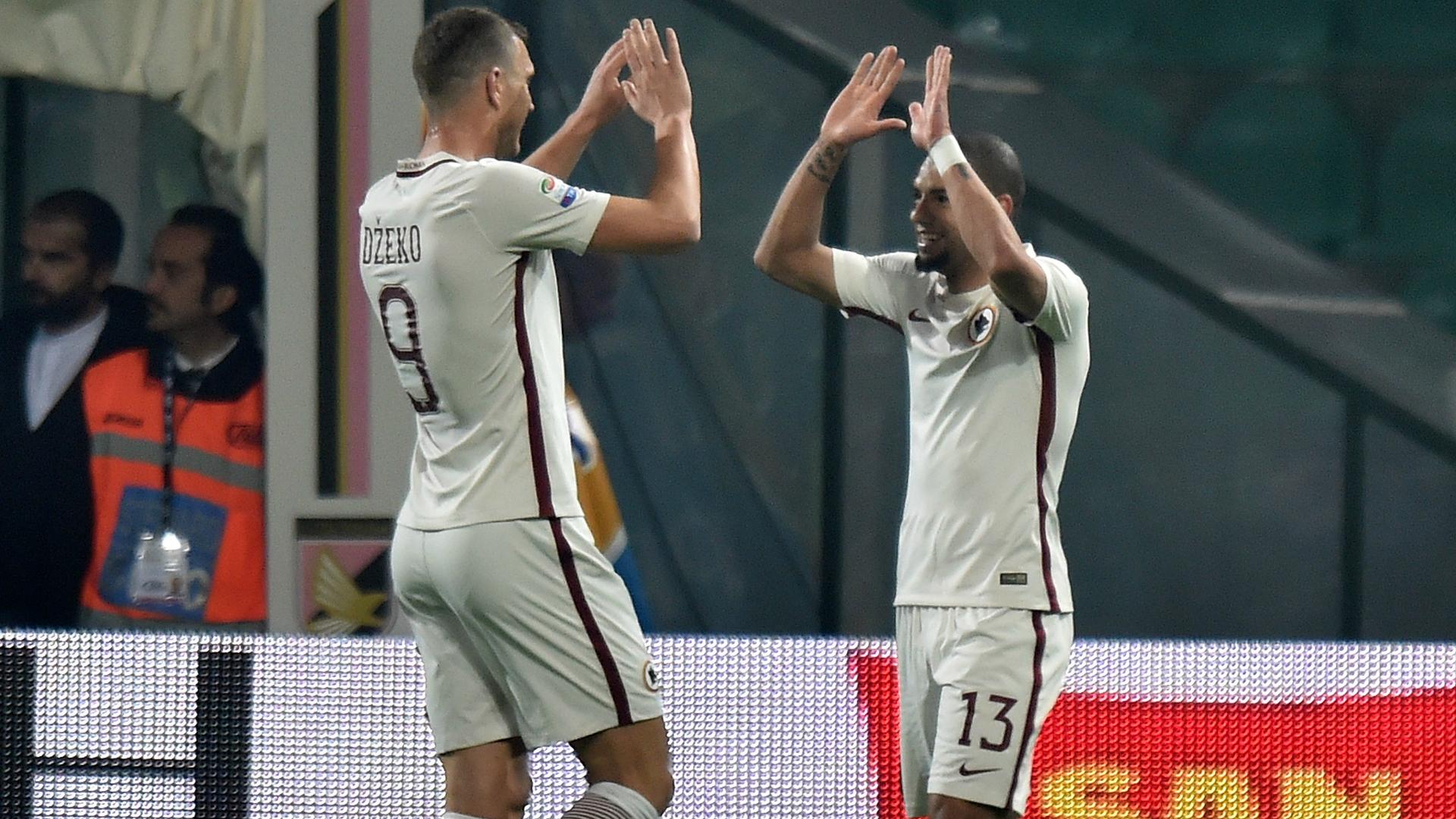 Edin Dzeko celebrates with Bruno Peres Palermo Roma Serie A 12032017