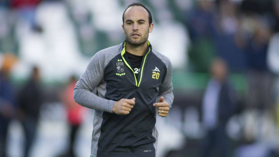 Landon Donovan makes Liga MX debut for Leon vs. Puebla