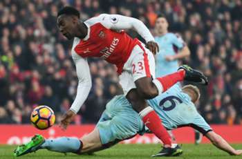 Arsenal fans bemused as Welbeck features for Under-23 side