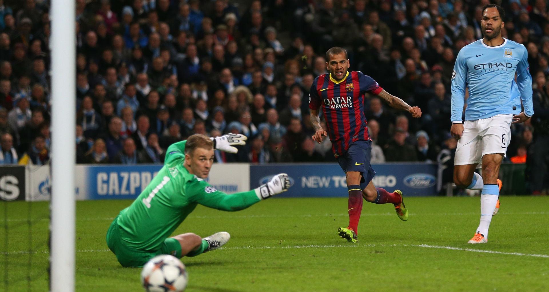 Dani Alves Barcelona Manchester City 2014