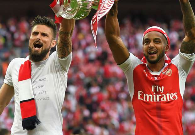 West Ham eye Arsenal duo Giroud and Walcott