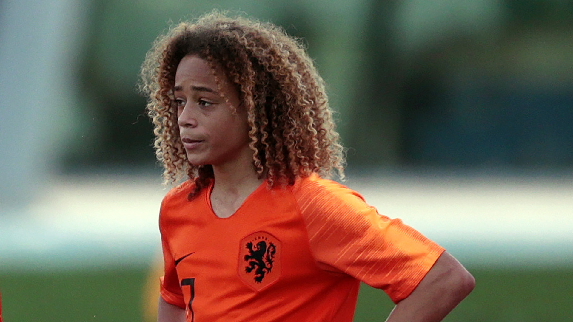 Barcelona wonderkid Xavi Simons announces departure from Liga giants
