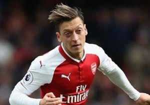 Ocak ayında Philippe Coutinho'nun transferine alternatif arayışında olan Barcelona, daha ucuz bir opsiyon olan Mesut Özil'i hedefine aldı. Katalan devi, Arsenal ile sözleşmesi sezon sonunda bitecek olan Mesut'un transferi için Andre Gomes'i takasta öne...
