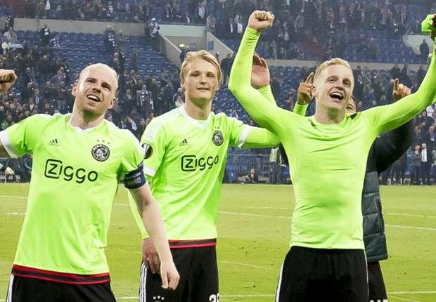 Kassa Ajax rinkelt na Schalke-succes