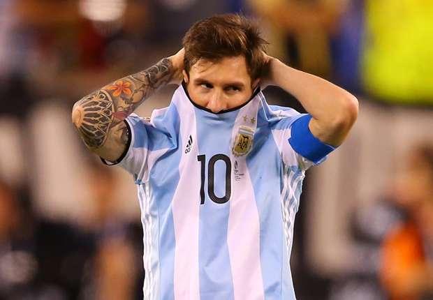 Maradona Meminta Untuk Tidak Menganggu Messi