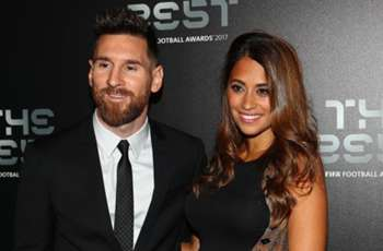 Messi & Maradona arrive for FIFA's The Best awards