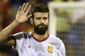 Spain fans jeer Pique in Alicante ahead of World Cup qualifier