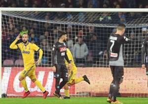 Gonzalo Higuain zabio za Juventus protiv Napolija i proslavio gol, međutim nije jedini koji je slavio protiv bivšeg kluba... Goal podsjeća tko još nije odolio proslaviti gol bivšem klubu
