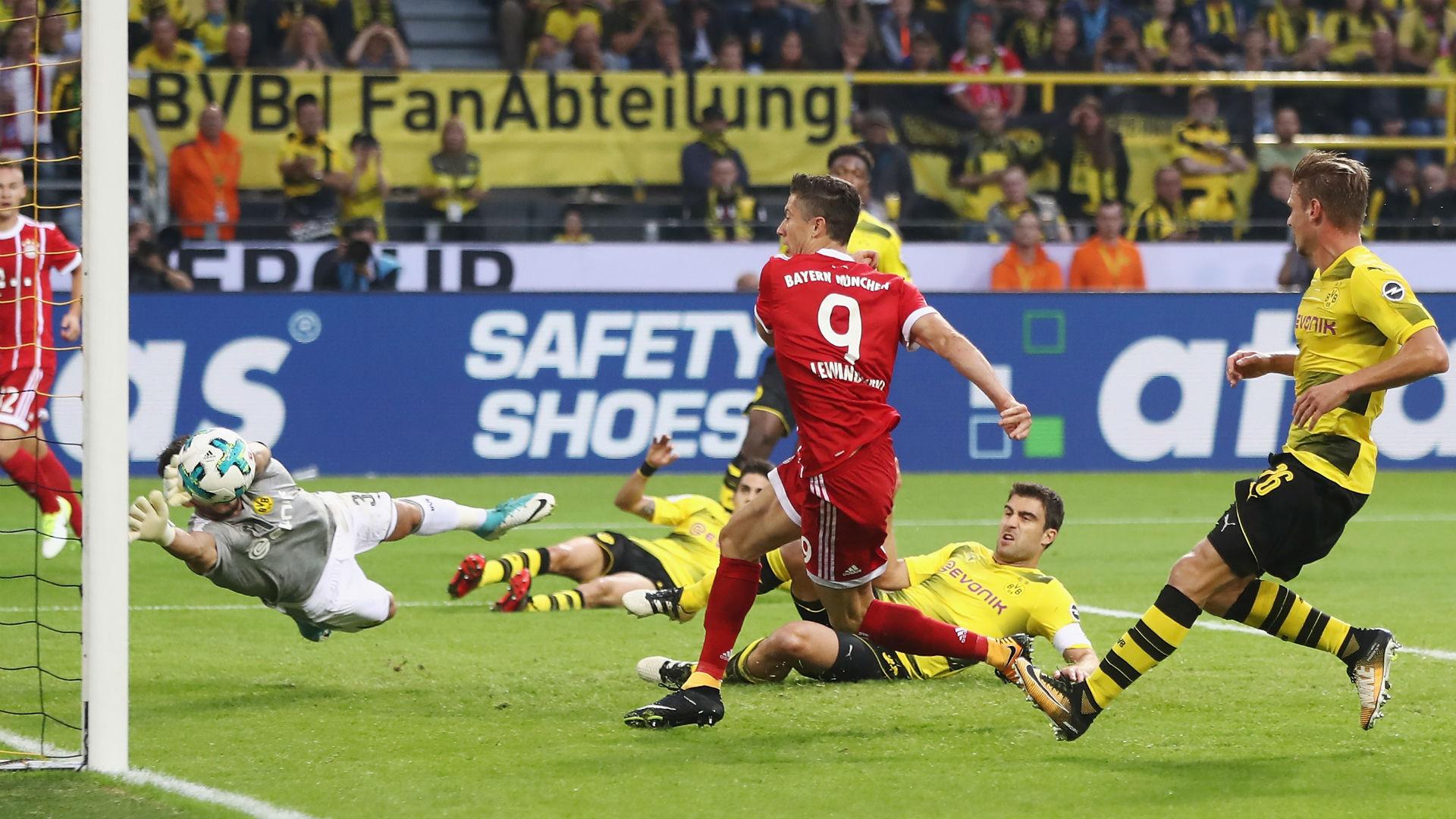 Robert Lewandowski scores Bayern Munich Supercup