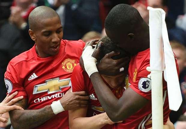 Ashley Young: Banyak Yang Tak Menyangka Manchester United Bisa Kalahkan Chelsea