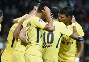 Nach dem Mega-Wechsel vom FC Barcelona zu PSG feierte Neymar in der französischen Provinz sein Debüt. Die besten Bilder aus dem Guingamp-Spiel.
