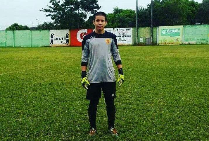 Futbolista de 17 años falleció en la cancha