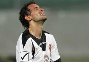 CRISTHIAN STUANI - La Reggina lo acquistò nel gennaio del 2008 dal Danubio con lo scopo di alzare il livello offensivo della squadra, ma l'impatto sulla Serie A dell'attaccante uruguayano non fu lo stesso di tanti altri connazionali che in Italia hanno...
