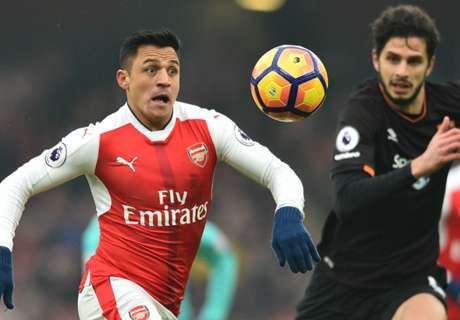 Arsenal met pijn en moeite langs Hull City