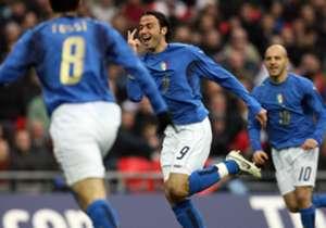Il 24 marzo 2007 si disputava a Wembley un'amichevole tra le Under 21 di Inghilterra e Italia: la prima partita dello storico impianto londinese dopo la sua ristrutturazione. Fun un successo: colpi di scena,