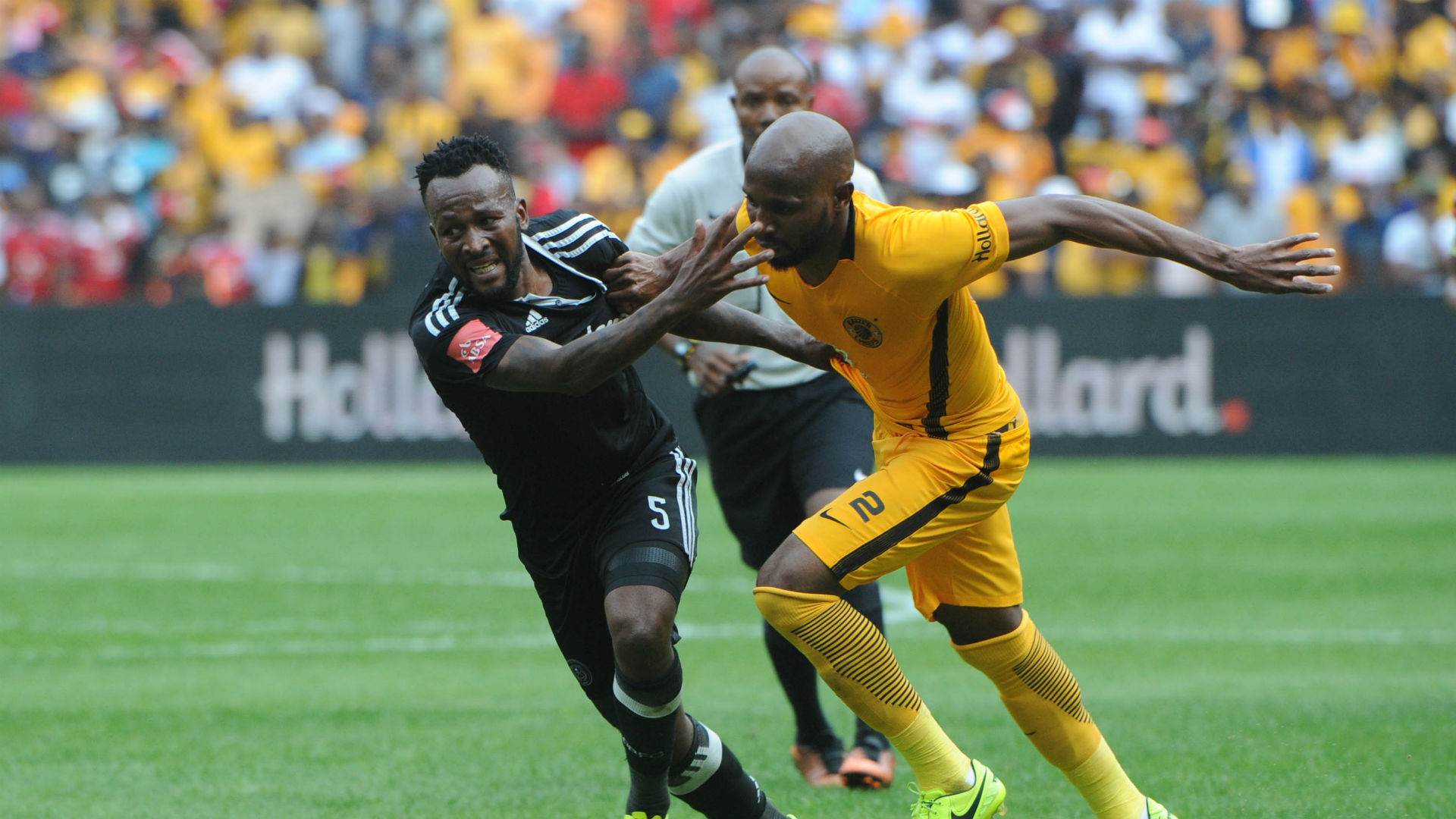 Mpho Makola and Ramahlwe Mphahlele - Kaizer Chiefs v Orlando Pirates