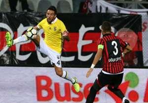 Mauricio Isla | Fenerbahçe