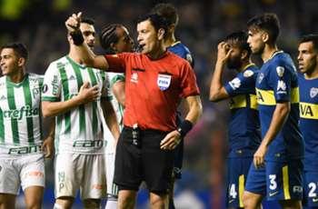 Quién es Roberto Tobar, el árbitro chileno que vuelve a dirigir a Boca en la Copa Libertadores