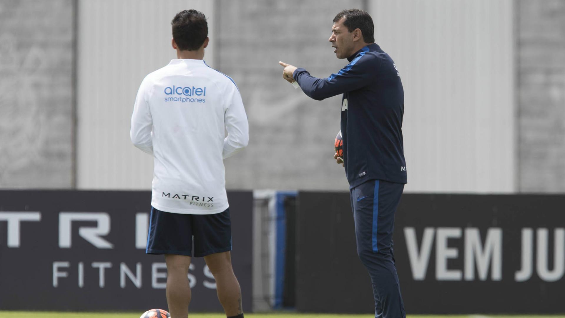 Com dores, Arana desfalca treino do Corinthians; Pedrinho sai mais cedo